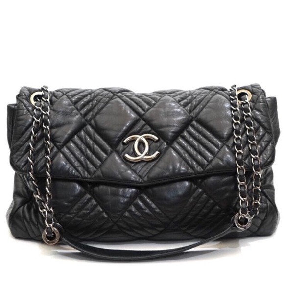 061aec77ff3675 CHANEL Handbags - Chanel Quilted Lambskin Chain Flap Shoulder Bag
